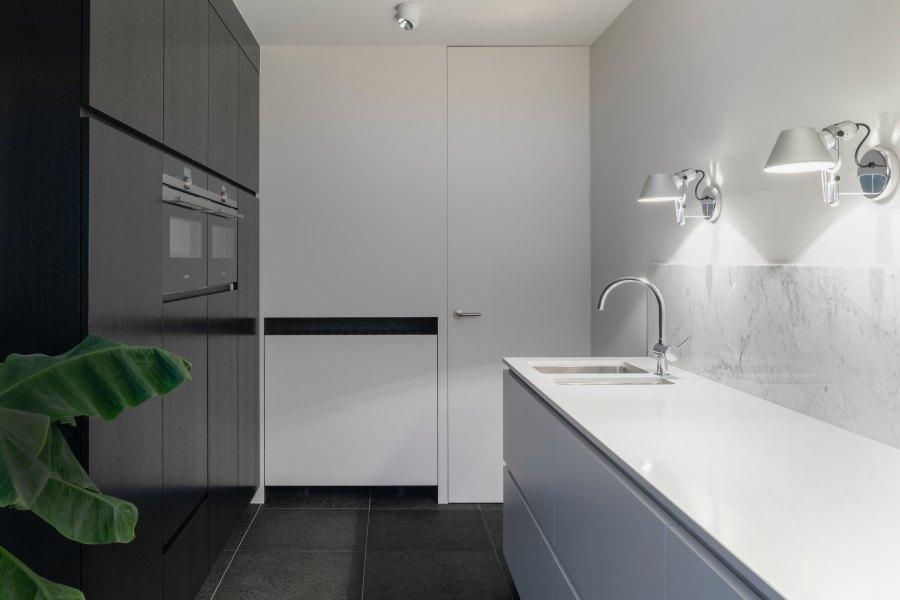 Okotoks - Modern Kitchen